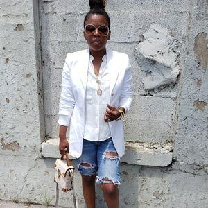 Dana Buchman white button blazer long